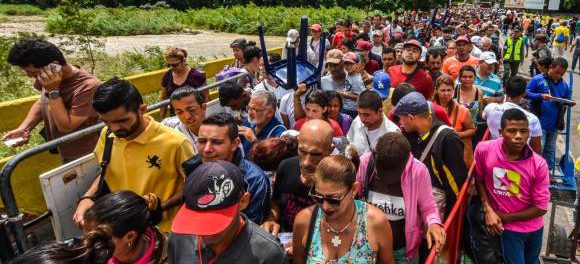Exodo Venenzolanos en busca de alimentos